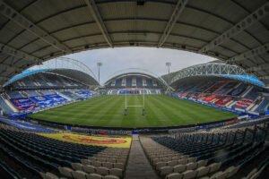 Huddersfield star joins Championship side
