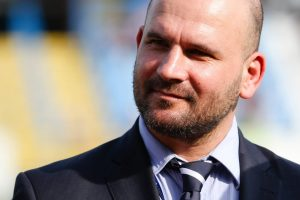 Featherstone CEO to leave