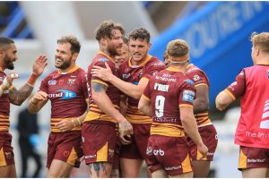 Huddersfield Giants 14-13 Leeds Rhinos: Player ratings and major talking points