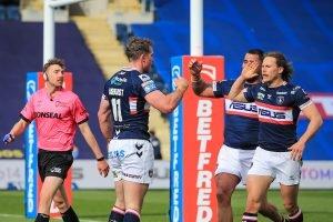 Wakefield talisman signs new deal